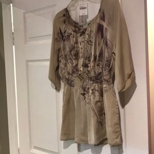 Ladies Top - Sz L - New with tags